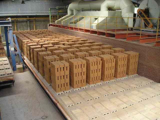 Производство кирпича имеет несколько обязательных этапов.