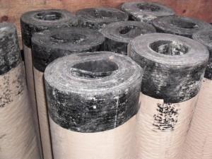 Рубероид используется для гидроизоляции стен и кровли
