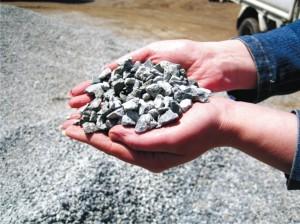 Щебень используется как для крупных строительных работ, так и для хозяйственных нужд